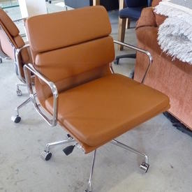 Tan Leather And Chrome Low Back Softpad Executive Chair on Castors