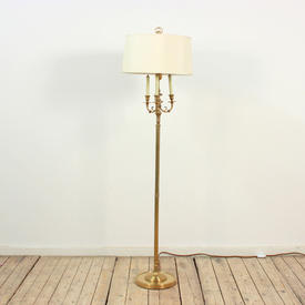 Brass Fluted Column Tri Candle Arm Standard Lamp on Circ Base, Harp & Finial