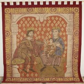 """7'3"""" X 6'9"""" Tapestry Of King & Queen With Child On Lap With Red Border (Y)"""