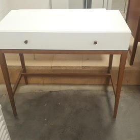White 1 Drawer Hab Console with Mid Oak Legs & Accents