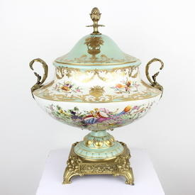 """17"""" Large Pale Green & White Porcelain With Gilt Musical Pattern Tureen Vase & Lid (Y)"""