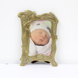 14cm  x  10cm Brass Leaf Pattern Photo Frame