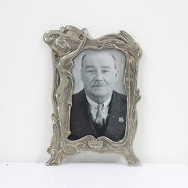21cm X 15cm Pewter Art Nouveau Style Photo Frame.  (Y)