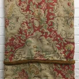 Fitted Bed Cover (D) Red Faded Floral Linen / Tuft Fringe