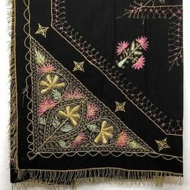 "Table Cover 4'1"" x 4'1"" Black Metal Floral Indian Emb Wool / Fringe"