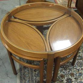Circ Teak & Glass Coffee Table With 3 Eliptical Under Stools
