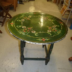 Circ Hand Painted Green Spanish Occ Table
