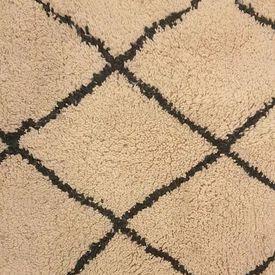 Cream & Black Diamond Pattern Knotted Wool Rug
