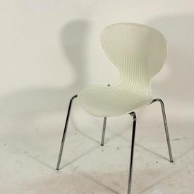 White Plastic Ribbed Back Chrome Leg Cafe Chair