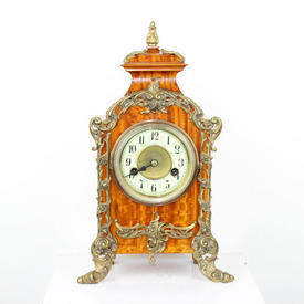 Golden Mahogany Mantle Clock with Gilt Bronze Decor