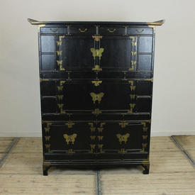 "5'1"" Black Lacquer & Brass Oriental Style Cabinet with 4 Drawers & 4 Cupboards (H156Cm  x  W125Cm  x  D47Cm)"