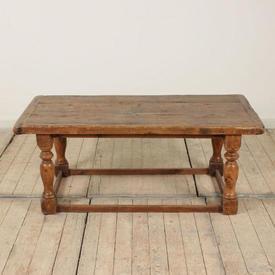 "2'6"" x  2' Rustic Pine Coffee Table"