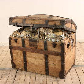 "2'8""  x  1'8"" Oak Treasure Chest with Treasure"