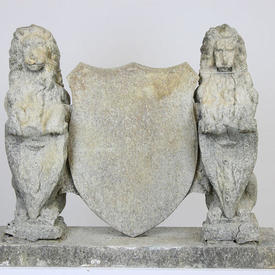 2 Polystyrene Lions & Coat Of Arms on Wooden Base