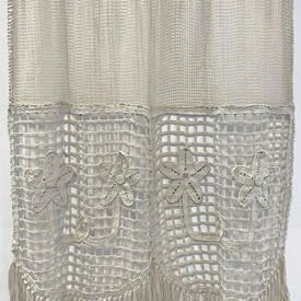 "Panel 2'9"" x 2' Dark Cream Cotton Mesh / Geo Floral Macrame / Fringed"