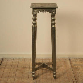 """3'4"""" Silver Embossed Plant Stand with Square Top (H100Cm)"""