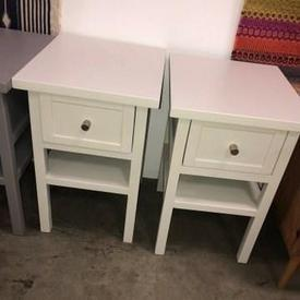 Chalk 'Long Island' 1 Drawer Bedside Cabinet with Chrome Handle