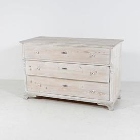 150 Washed 3 Draw Key Hole Top Chest with Porcelain Handles