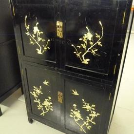 Black Lacquer Chinese Pattern 4 Door  Cupboard