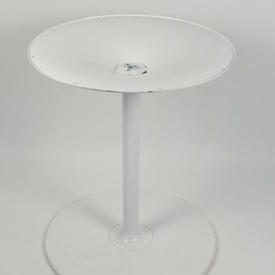 White Circular Metal Mkb Trumpet/4 Prong Table Base
