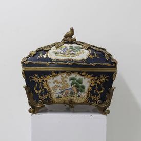 36Cm Blue Porcelain Bird Design Casket with Brass Leaf & Bird Patt & Lid
