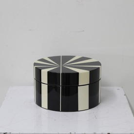 16Cm Black & White Cir Container with Lid