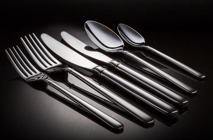 Thumb cutlery